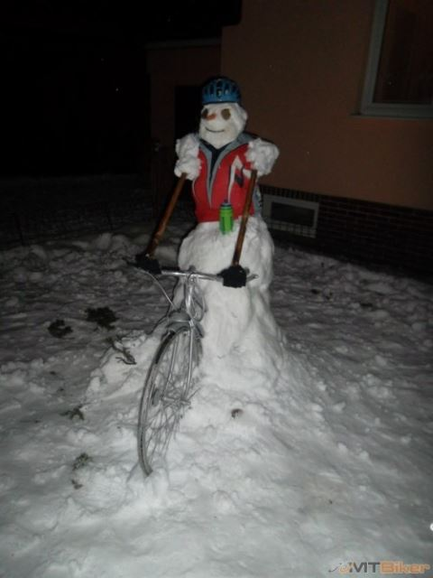 Snowman-on-Bike